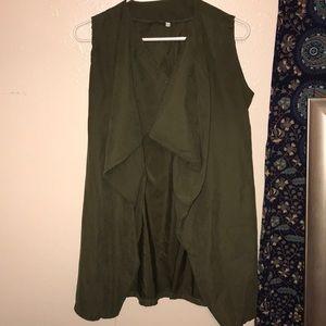 A army green sleeveless cardigan !!